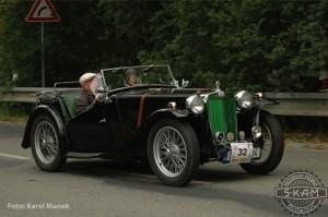 MG TC (dvousedadlový roadster, r.v.1947,Anglie)