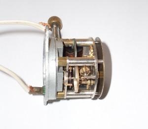 pohled do strojku ze strany oscilátoru